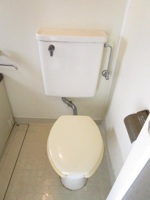 NT三山ハイム 103号室のトイレ