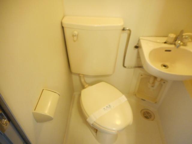 キャトルセゾン橋本Ⅱ 305号室のトイレ