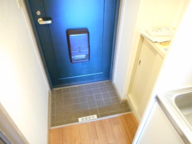 キャトルセゾン橋本Ⅱ 305号室の玄関
