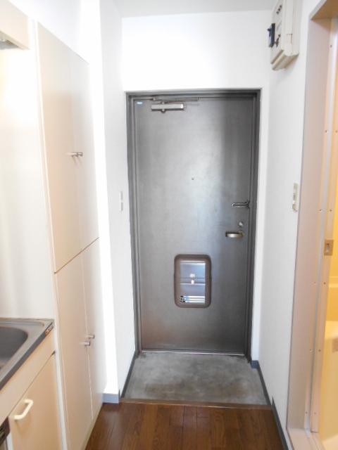 コスモヒルズ橋本Ⅰ 202号室の玄関