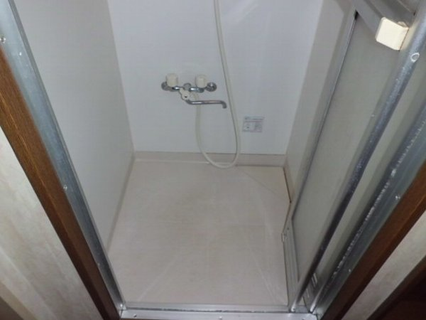 ブルーハイツ平潟 C号室の風呂