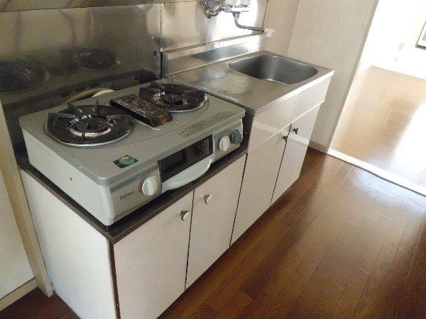 ブルーハイツ平潟 D号室のキッチン