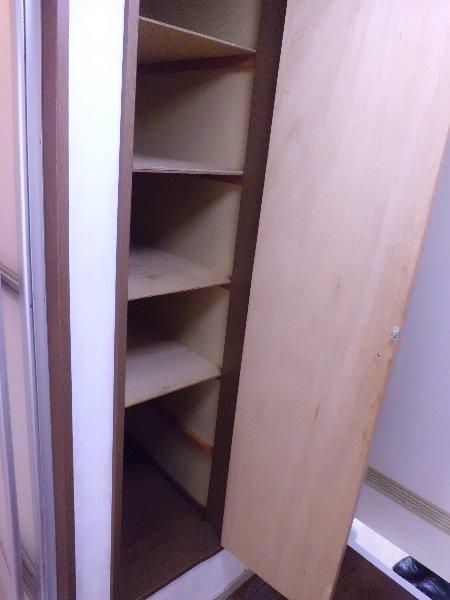 ブルーハイツ平潟 D号室の玄関