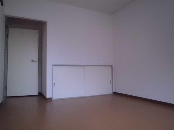 セジュール桜山 102号室のリビング