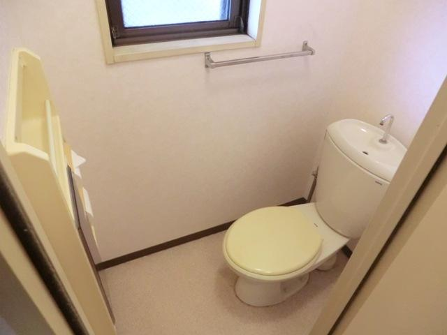 スターマンション 303号室のトイレ