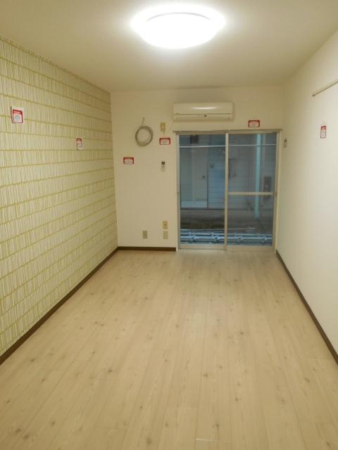 Felice浦和(フェリーチェ) 113号室のリビング