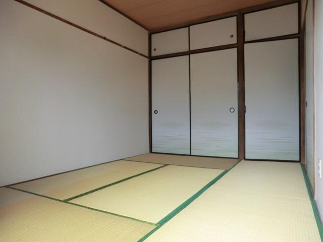 第1西形マンション 205号室のリビング