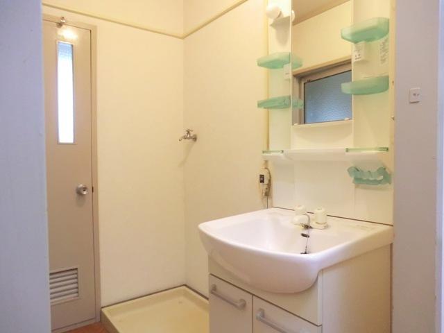 第1西形マンション 205号室の洗面所