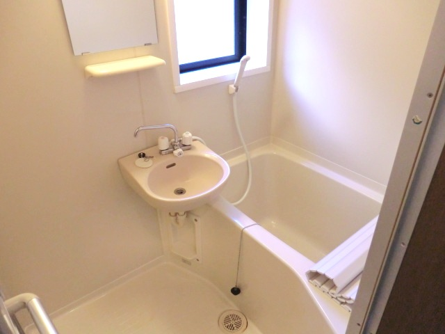 ハイムタカノ 105号室の洗面所