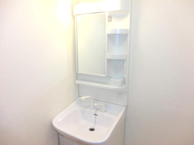セレッソ・ガーデン 103号室の洗面所
