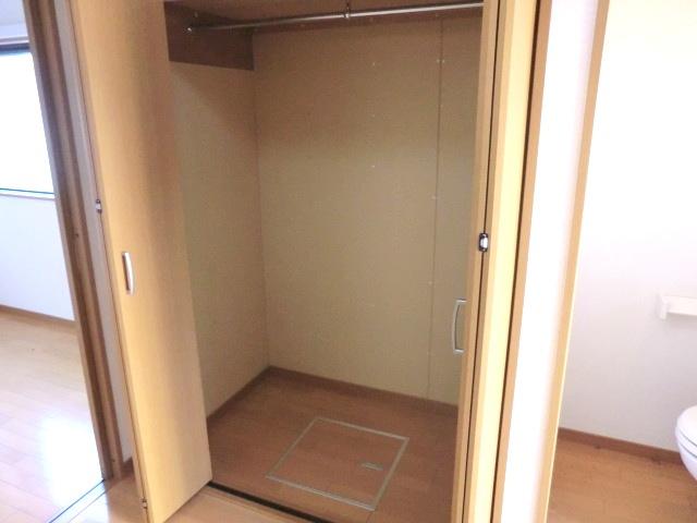イースタンハイツ 102号室の収納