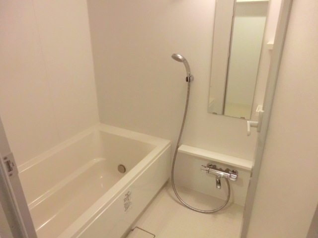 アールリエット浦和常盤A棟 302号室の風呂