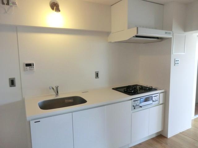 アールリエット浦和常盤A棟 302号室のキッチン