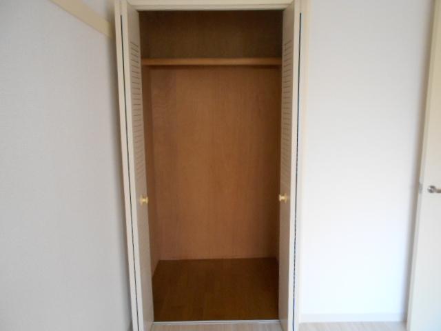 ボン・ファミーユ常盤 105号室の収納