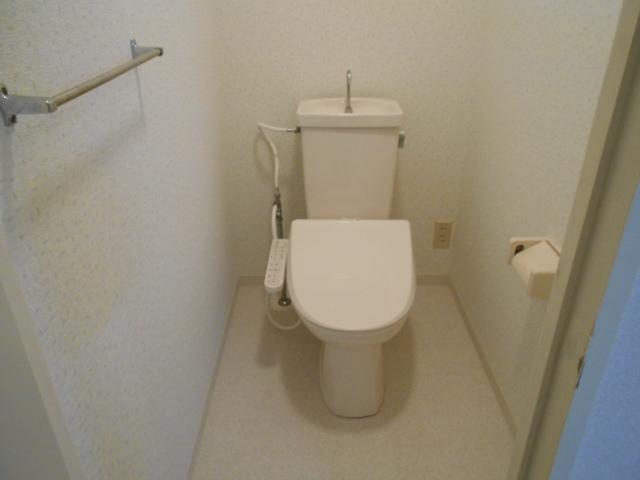 ボン・ファミーユ常盤 105号室のトイレ