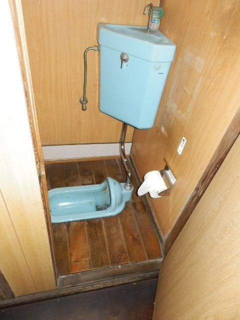 渡邊荘 6号室のトイレ