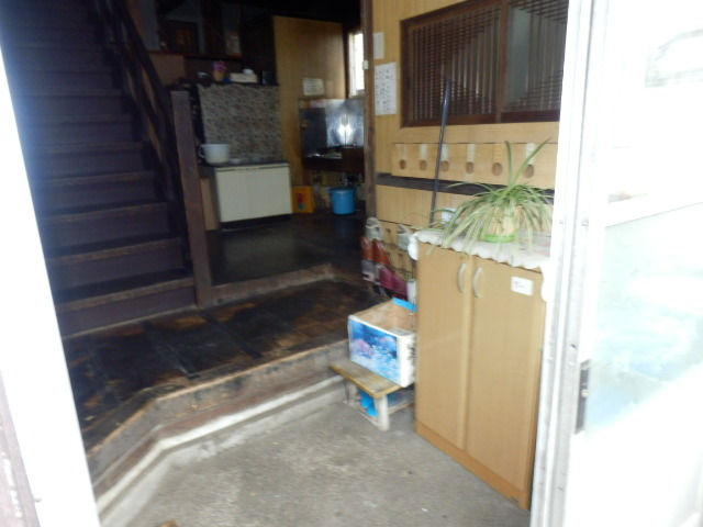 渡邊荘 6号室の玄関