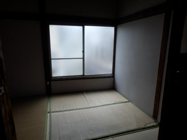 渡邊荘 6号室の居室