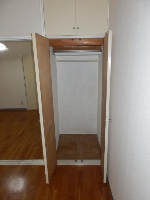 しゃんぶるいずみ 102号室の収納