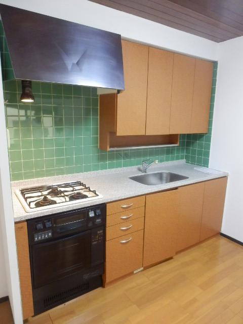 鴻巣橋ハイツ 301号室のキッチン