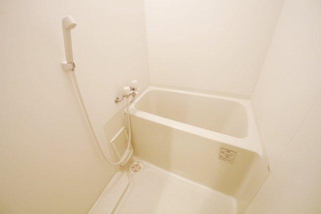 SCARLET箱崎(スカーレット) 203号室の風呂