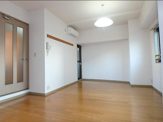 アーバンビュー21 202号室の居室