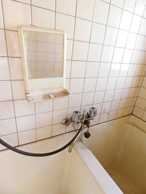 ウイング筥松 A105号室の洗面所