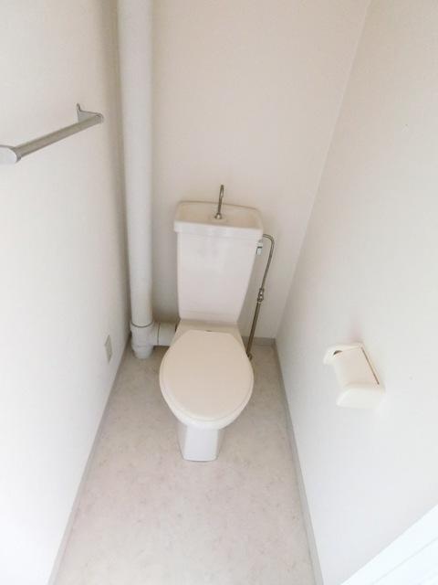パールハイツ吉塚 301号室のトイレ