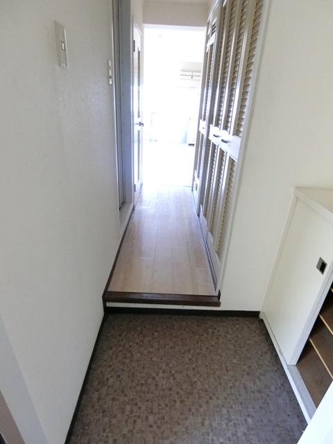 パールハイツ吉塚 301号室の玄関