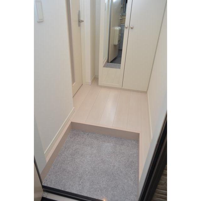 Diira博多 302号室の玄関