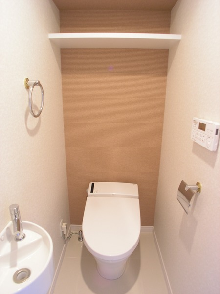 プライムアーバン博多東 1103号室のトイレ