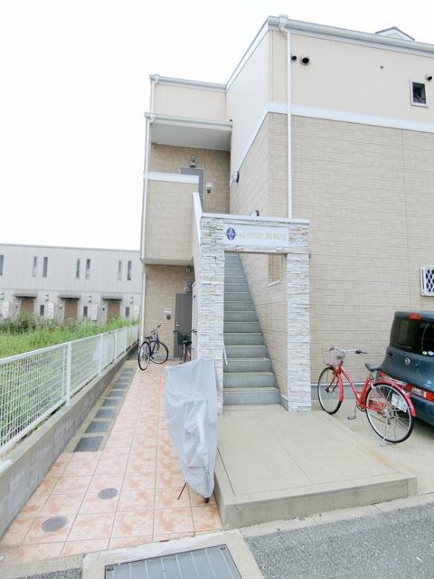 コンフォートベネフィス箱崎7 103号室のエントランス