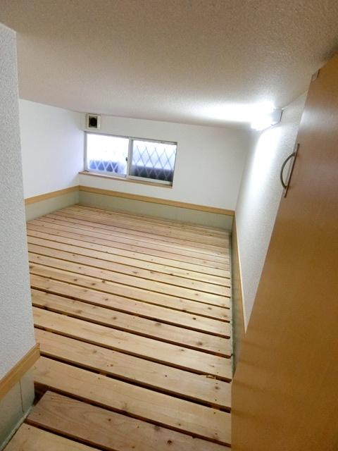 コンフォートベネフィス箱崎7 103号室の収納