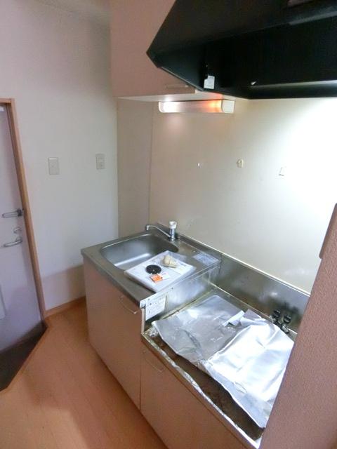 コンフォートベネフィス箱崎7 103号室のキッチン