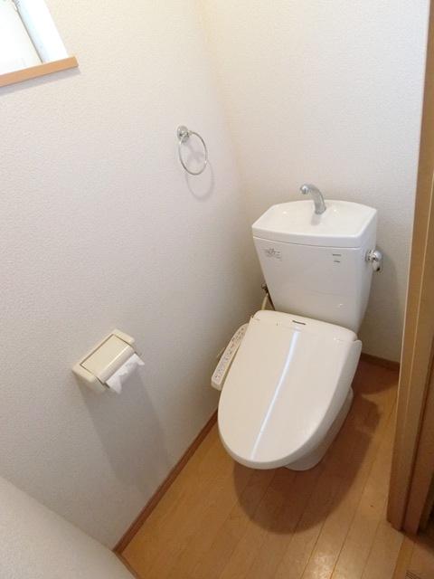 コンフォートベネフィス箱崎7 103号室のトイレ