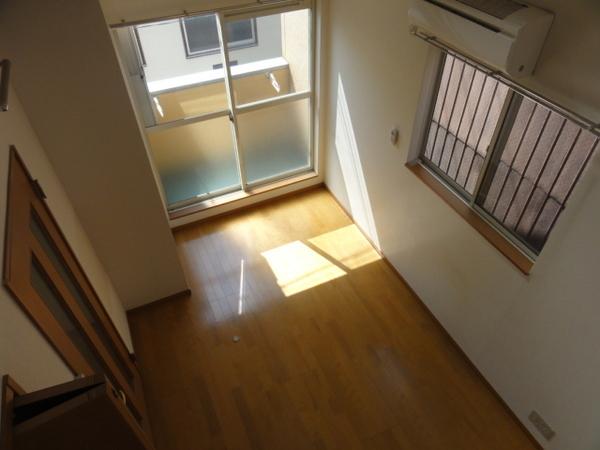 コンフォートベネフィス箱崎8 203号室のバルコニー