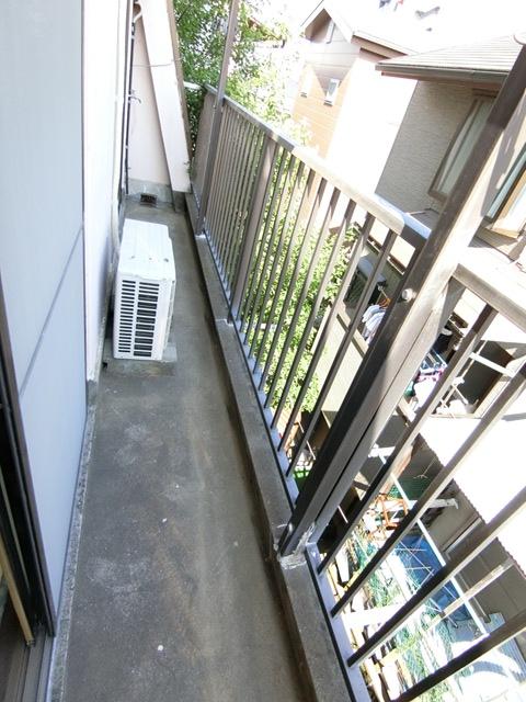 本村ビル 303号室のバルコニー