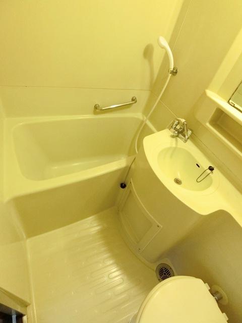 本村ビル 303号室の風呂