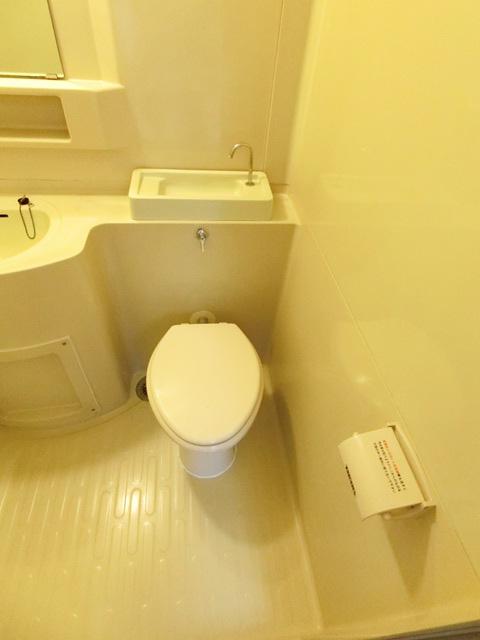 本村ビル 303号室のトイレ