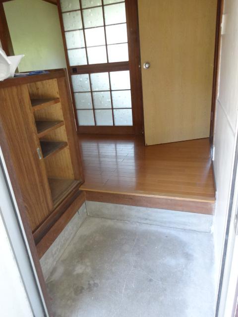 郷口荘 2号室の玄関