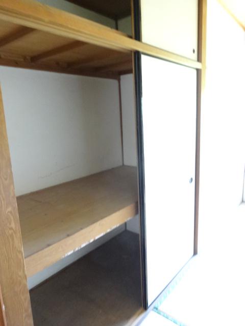 郷口荘 2号室の収納