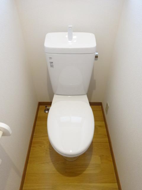 郷口荘 3号室のトイレ