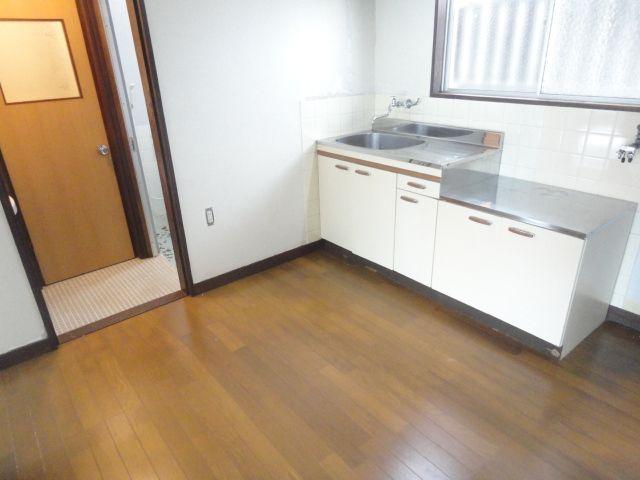 青雲荘 201号室のキッチン