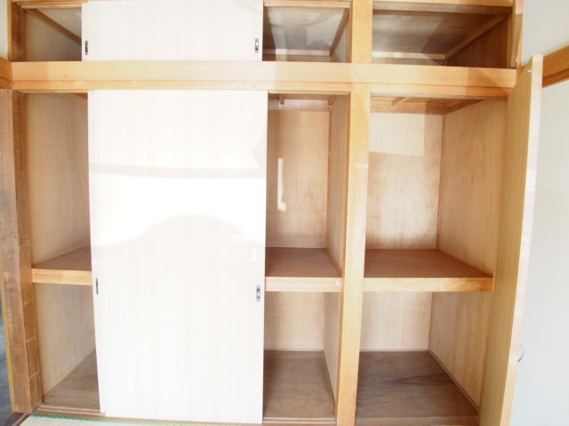 第二ゼネラルハイツ 101号室の収納