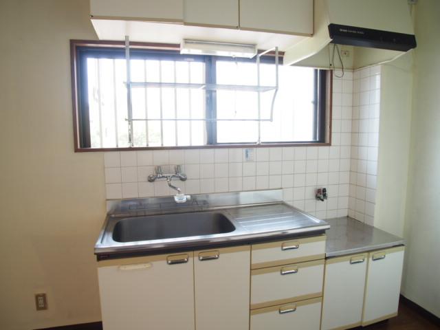 第二ゼネラルハイツ 101号室のキッチン