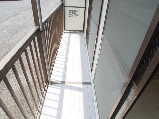 ヒルブライト 102号室のバルコニー