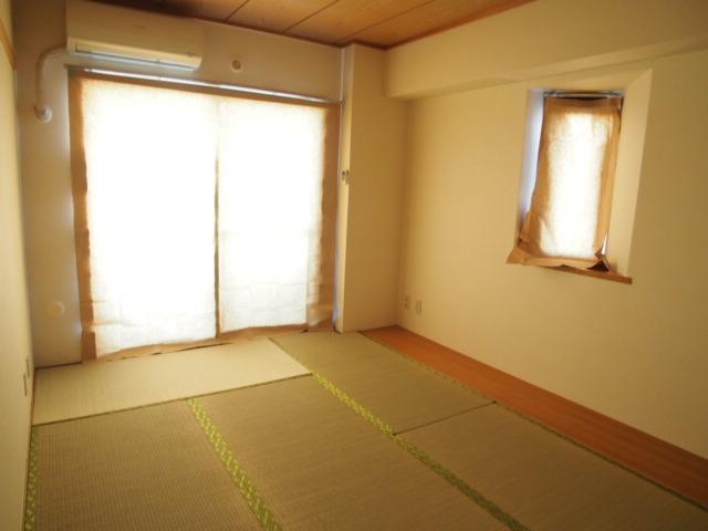 ペアシティ久喜参番館 507号室のリビング