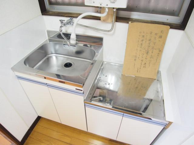 玉喜ハウス 102号室のキッチン