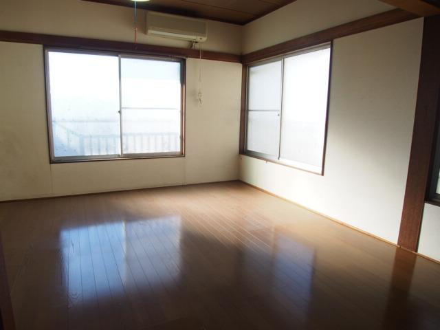 玉喜ハウス 202号室の居室