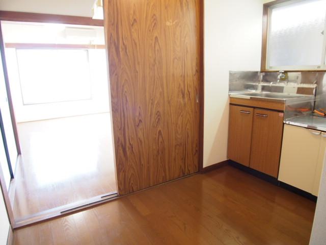 玉喜ハウス 202号室のキッチン